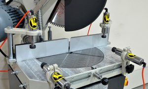How to cut aluminium profiles with a mitre saw?