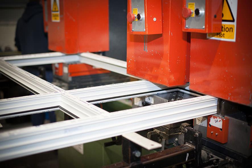 Maquinaria de ventana para fabrica de puertas de ventanas